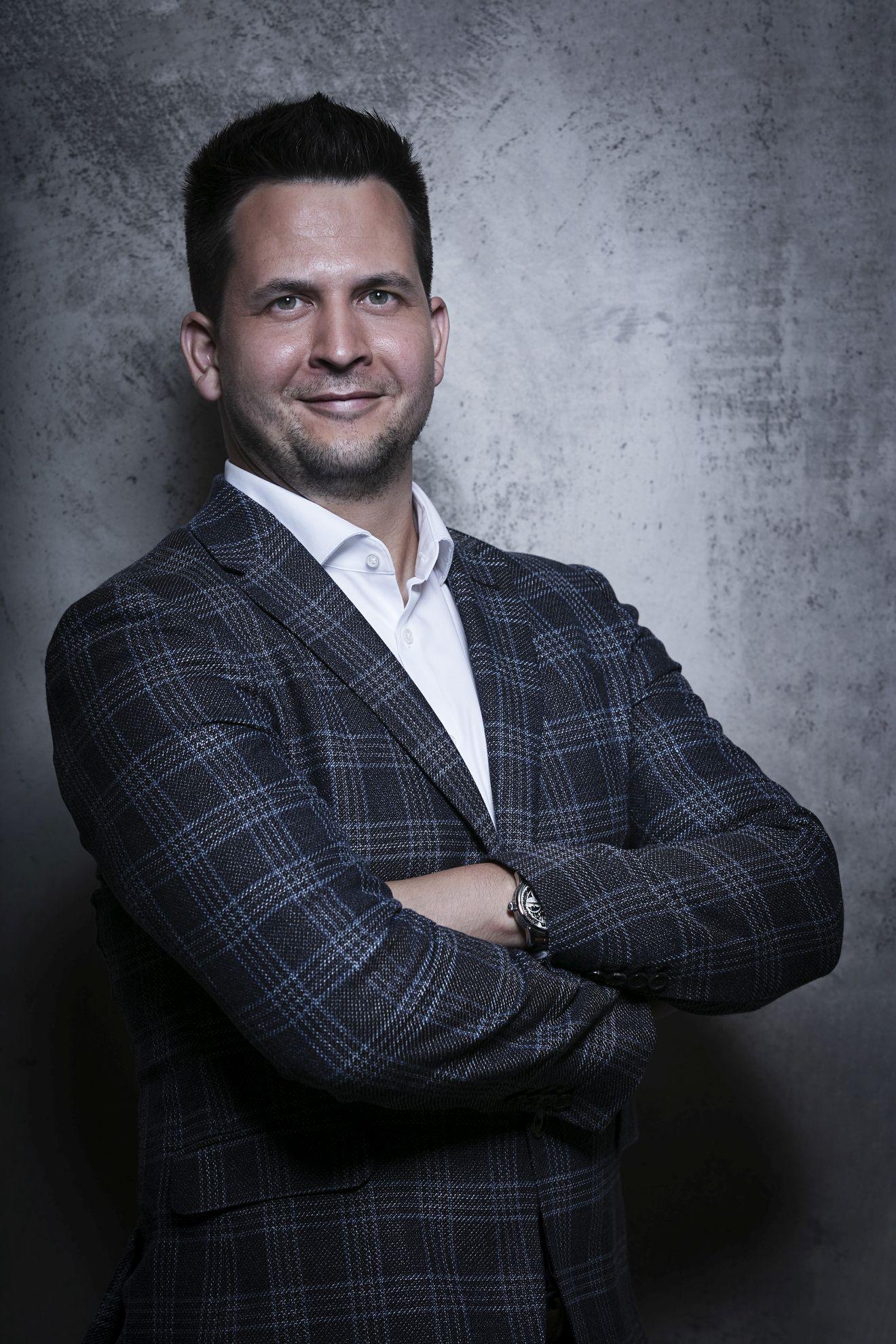 Martin Chorvát, plastischer Chirurg