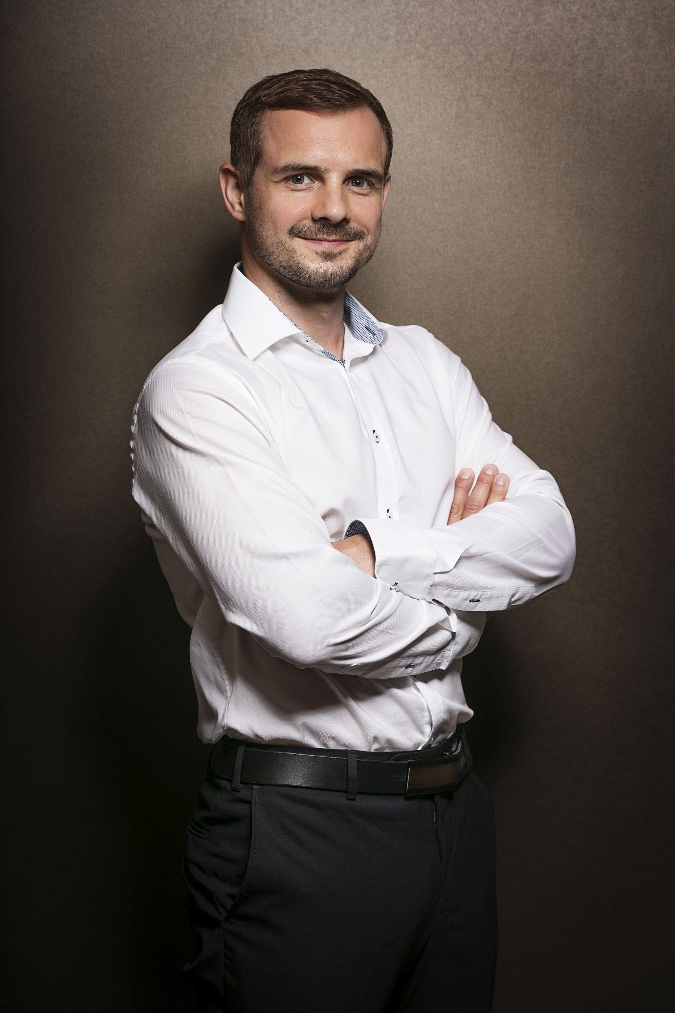 MUDr. Viktor Fiker, plastický chirurg