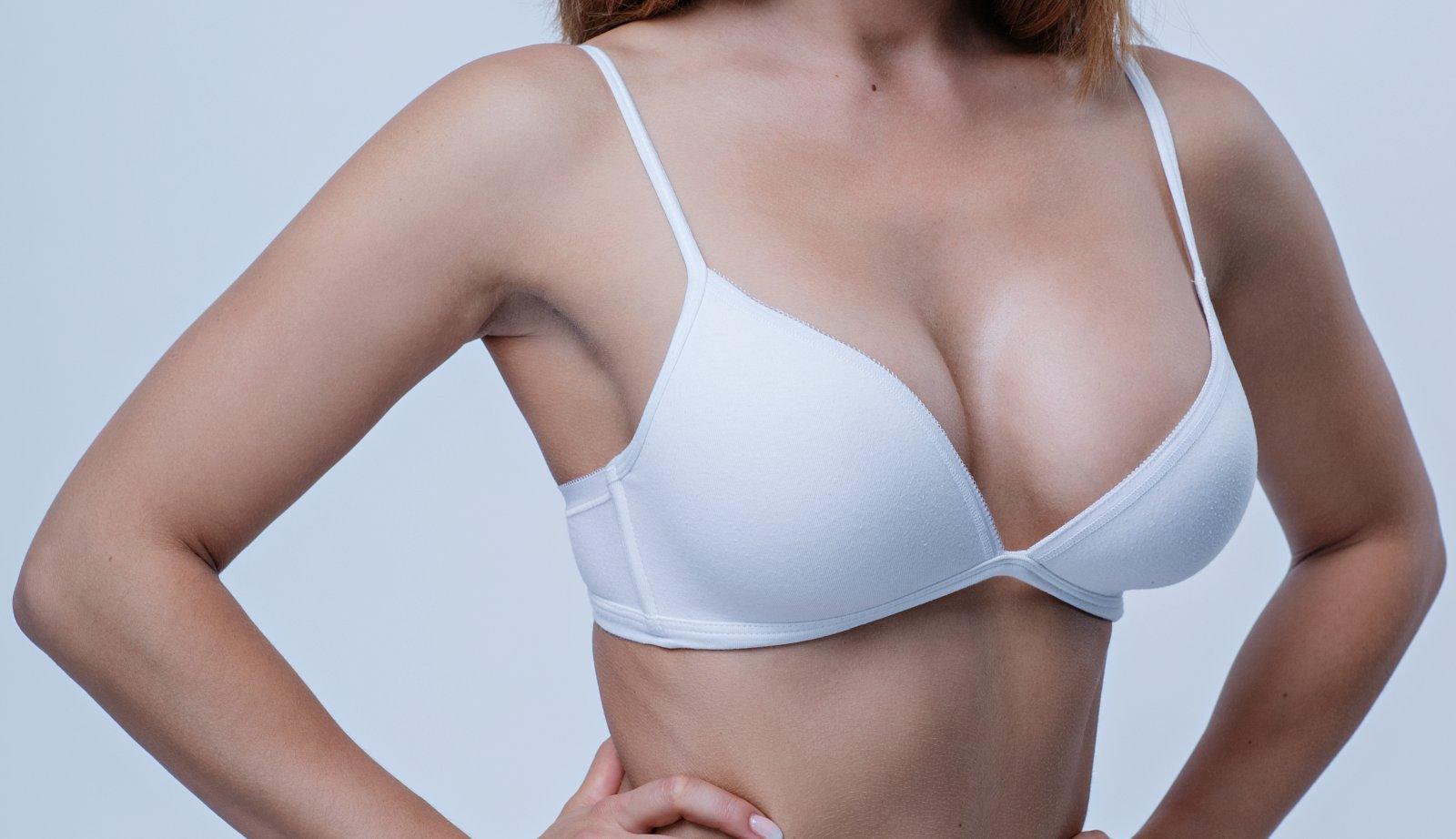 modelace prsou po porodu